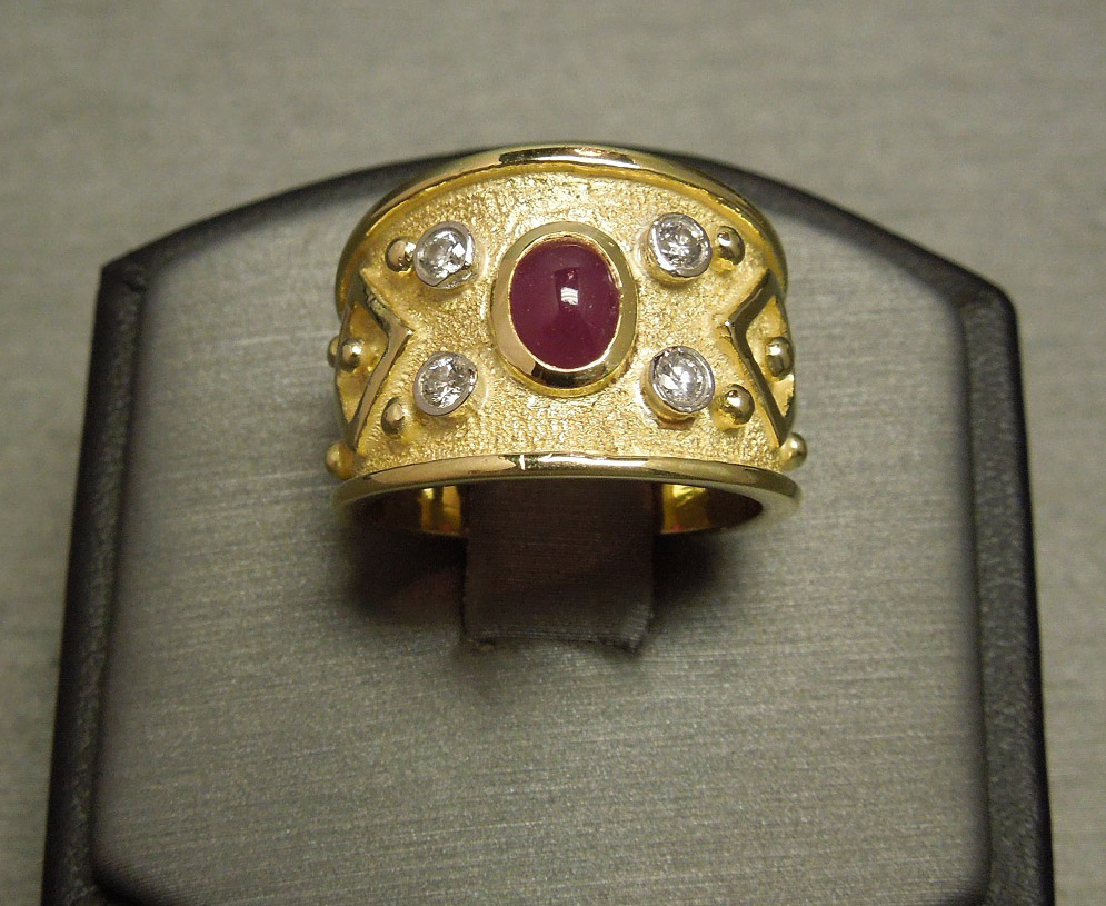 European Etruscan 0 80tcw Ruby Diamond 18k Gold Cigar Band