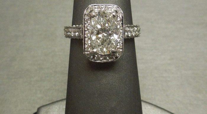 oval diamond halo