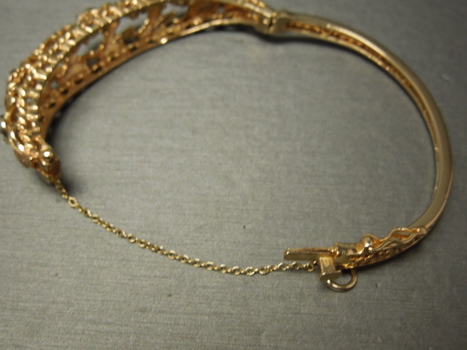 Vintage Diamond Bangle Bracelet 2 50 Tcw 14kt Gold C1960