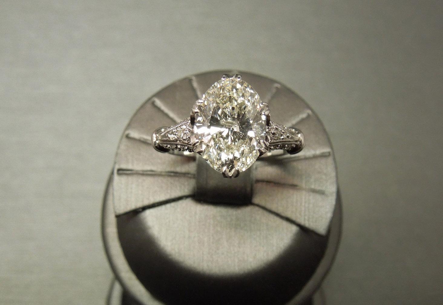 Estate 18k Gia 3 Carat Oval Diamond Tiara Engagement Ring