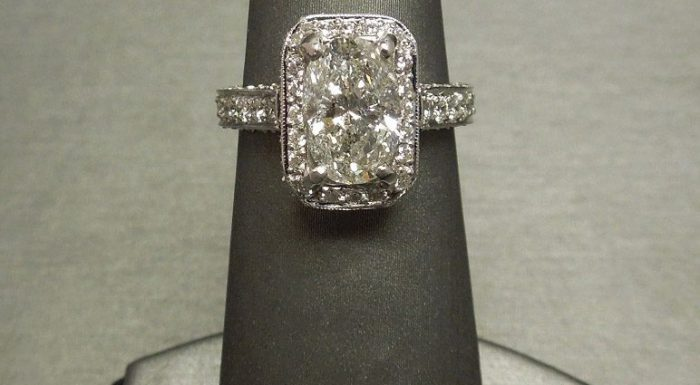 oval diamond halo
